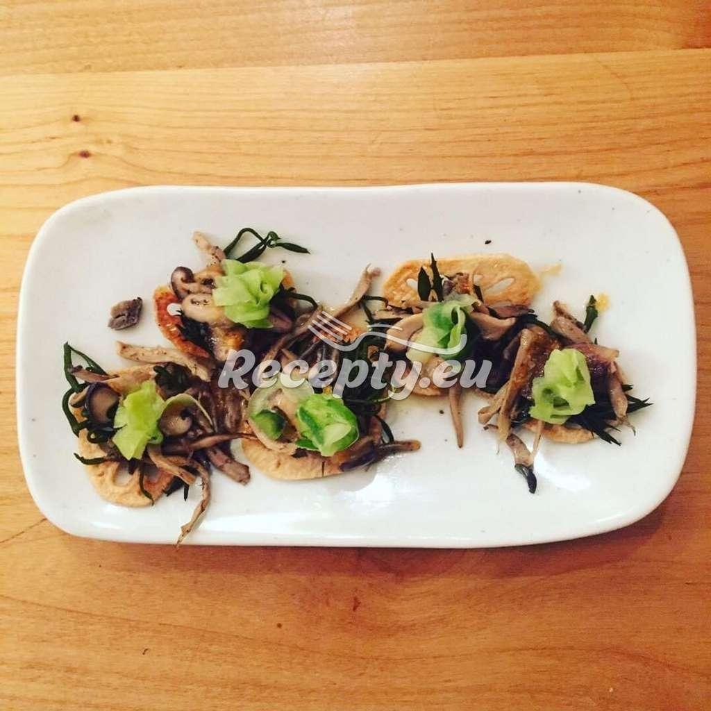 Rychlý houbový salát s uzeninou