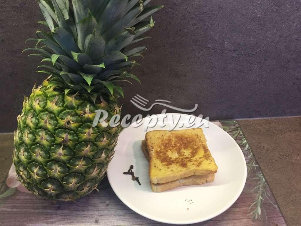 Topinky s ananasem